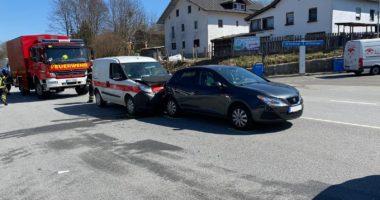 THL 1, Verkehrsunfall, Straße Reinigen B11/B85 Regen