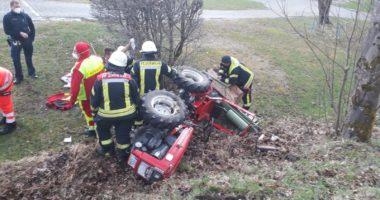 THL 3: Person unter Traktor eingeklemmt (Unterzwieselau)