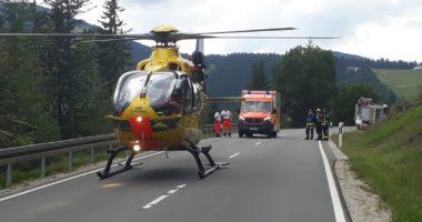 THL 1: Motorradunfall auf der St2154 zwischen Bayer. Eisenstein und Brennes